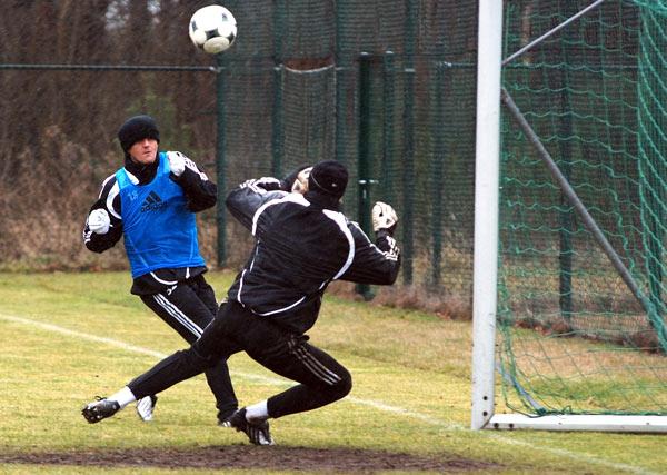 Miroslav Radović pokonuje Jana Muchę - fot. Tomasz Janus / sportnaukowo.pl