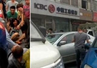 zombi canibal chino ataca a mujer y muerde su rostro fotos