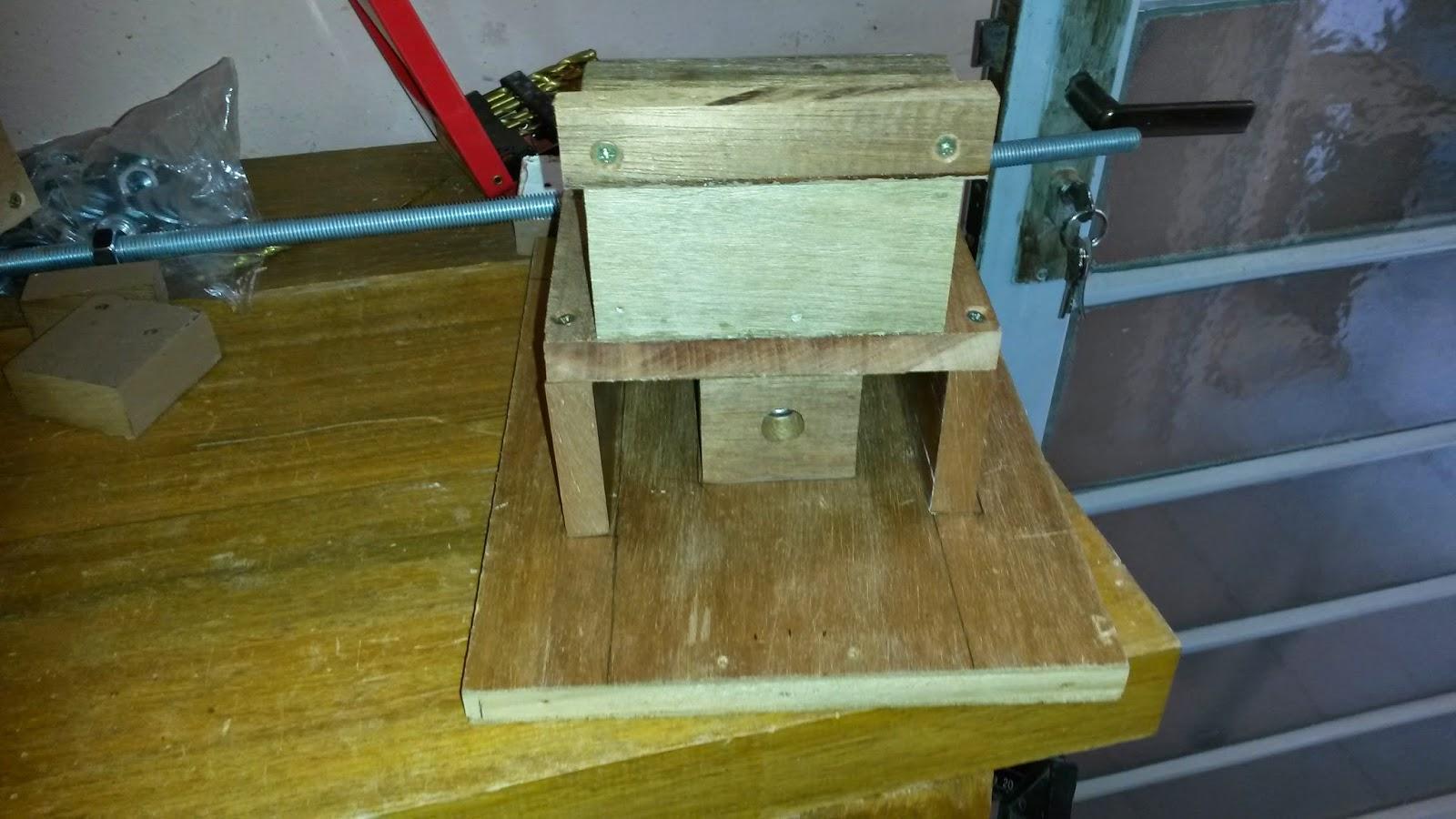 de madeira que sobrou do projeto do suporte de furadeira de bancada #614818 1600x900