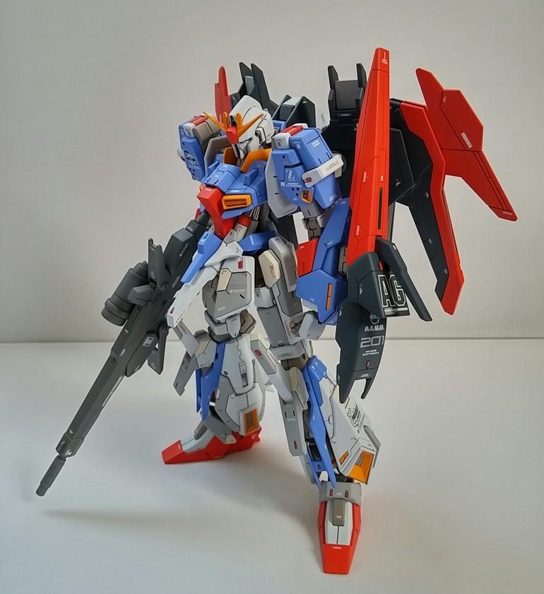 Lightning Zeta Gundam Real Grade Model Kit