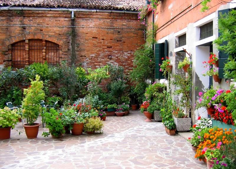 La mirada de l a por giudecca y san giorgio maggiore for Jardines pequenos con ladrillos