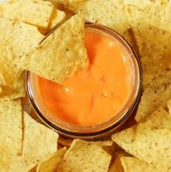 how to make nacho cheese dip with velveeta
