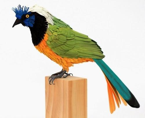 08-Green-Jay-Paper-Bird-Sculptures-Colombian-Artist-Diana-Beltran-Herrera-www-designstack-co