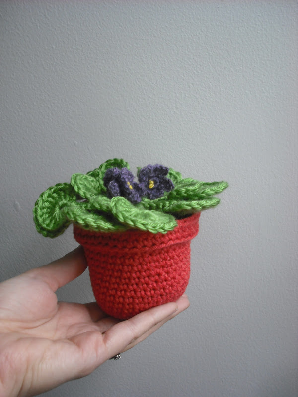 Purple Chair Crochet The Flower Pot Series No 03 African Violet