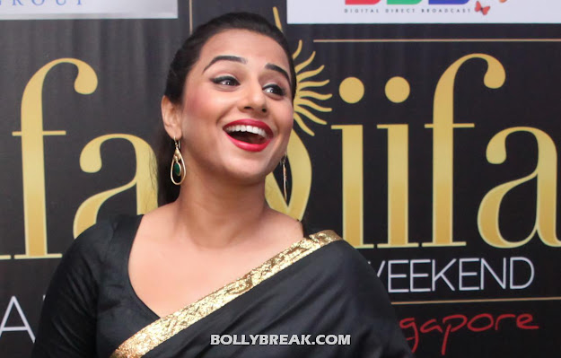 Vidya Balan at IIFA in Black Saree HD Photo - Vidya Balan IIFA HD Pics