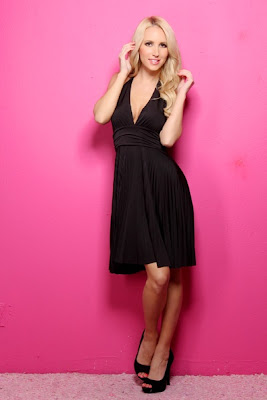 BLACK DEEP V PLEATED HALTER DRESS