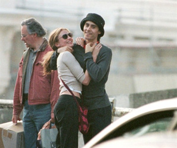 cameron diaz and jared leto hug in teh street