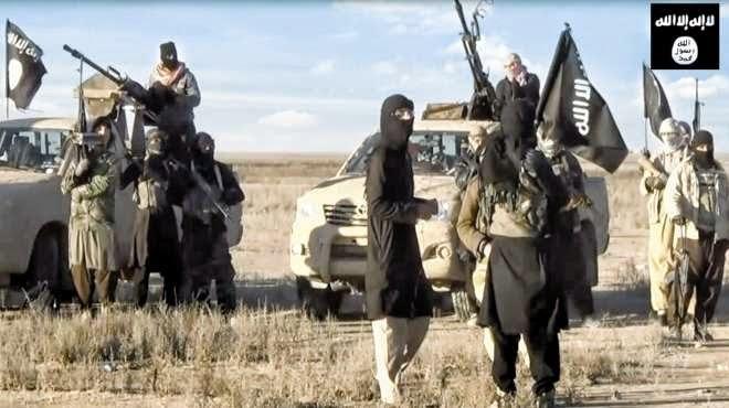 أكثر من 500 قتيل في معارك مطار الطبقة شمال سوريا