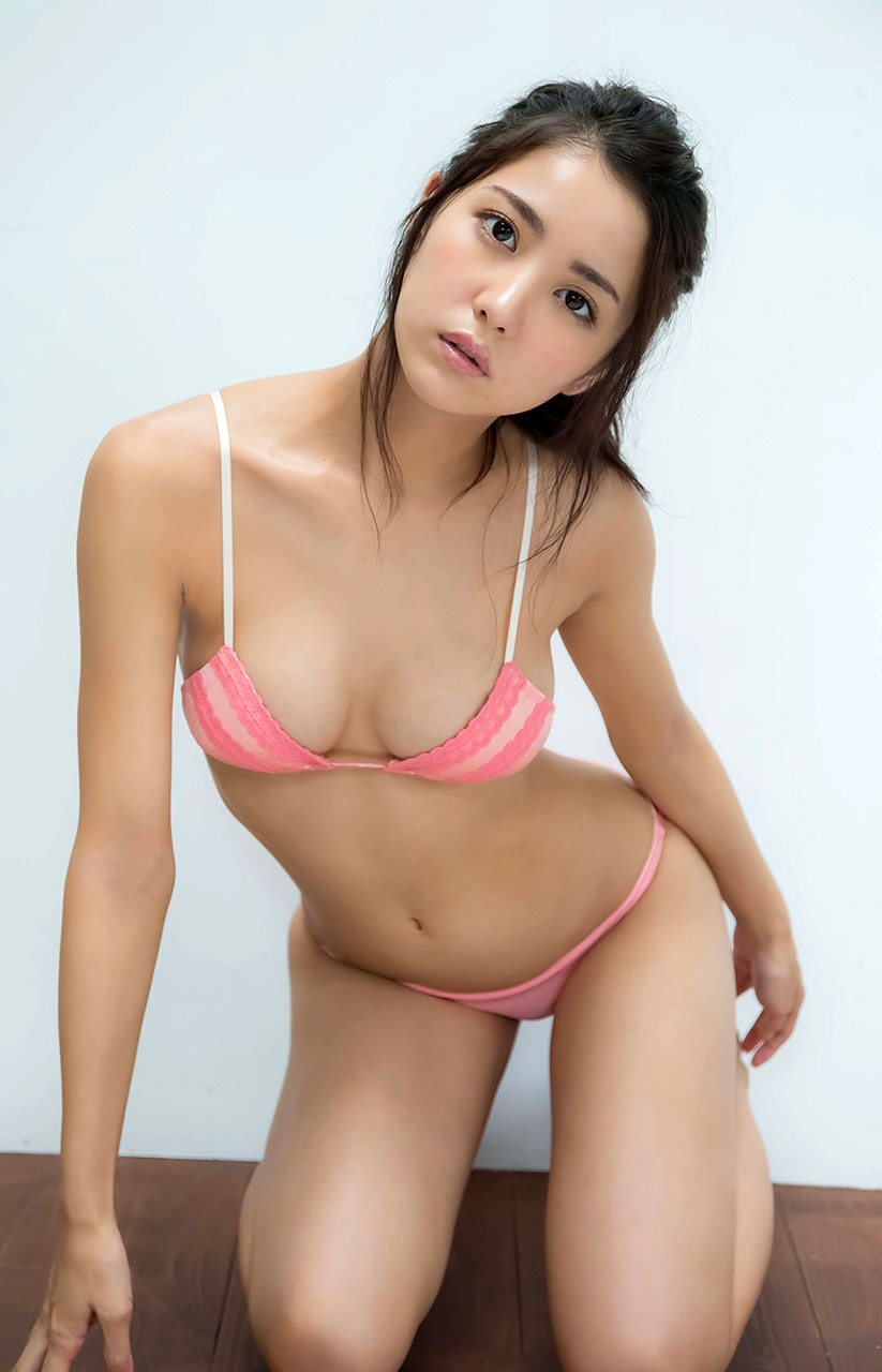 hot and sexy bikini pics of ren ishikawa 03