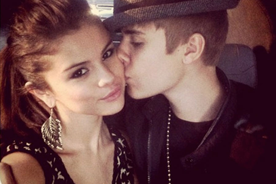 selena gomez and justin bieber dating 2013 Selena gomez biography  born to amanda and her second husband brian teefey on 12 june 2013 her second sister victoria gomez,  she is dating her ex, justin bieber.