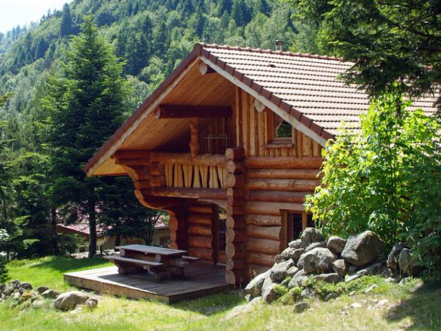 Estilo rustico cabana rustica en las montanas francesas for Fachadas de cabanas rusticas