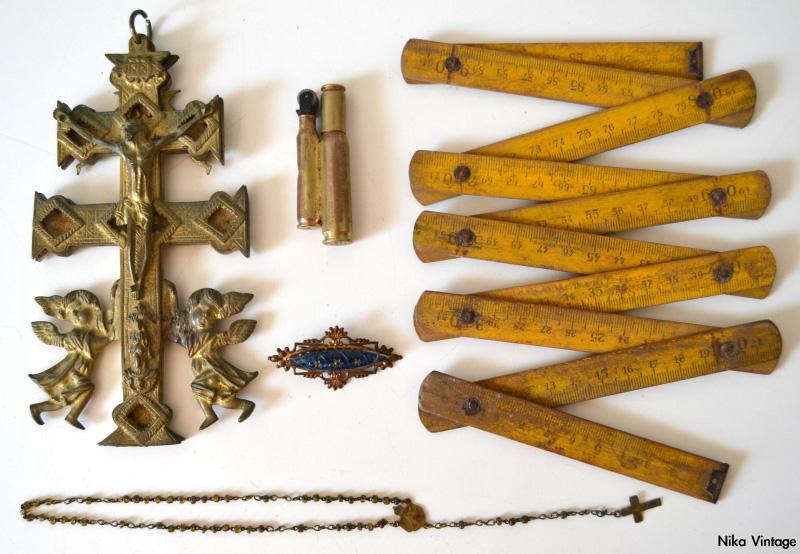 mechero bala, relicario, cruz de caravaca, broche antiguo