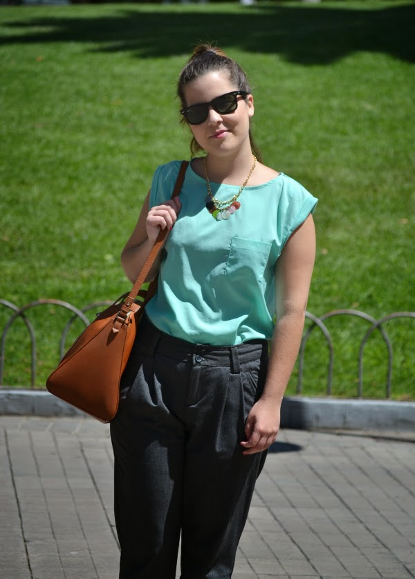 look_primavera_camiseta_verde_agua_bailarinas_purpurina_nudelolablog_04