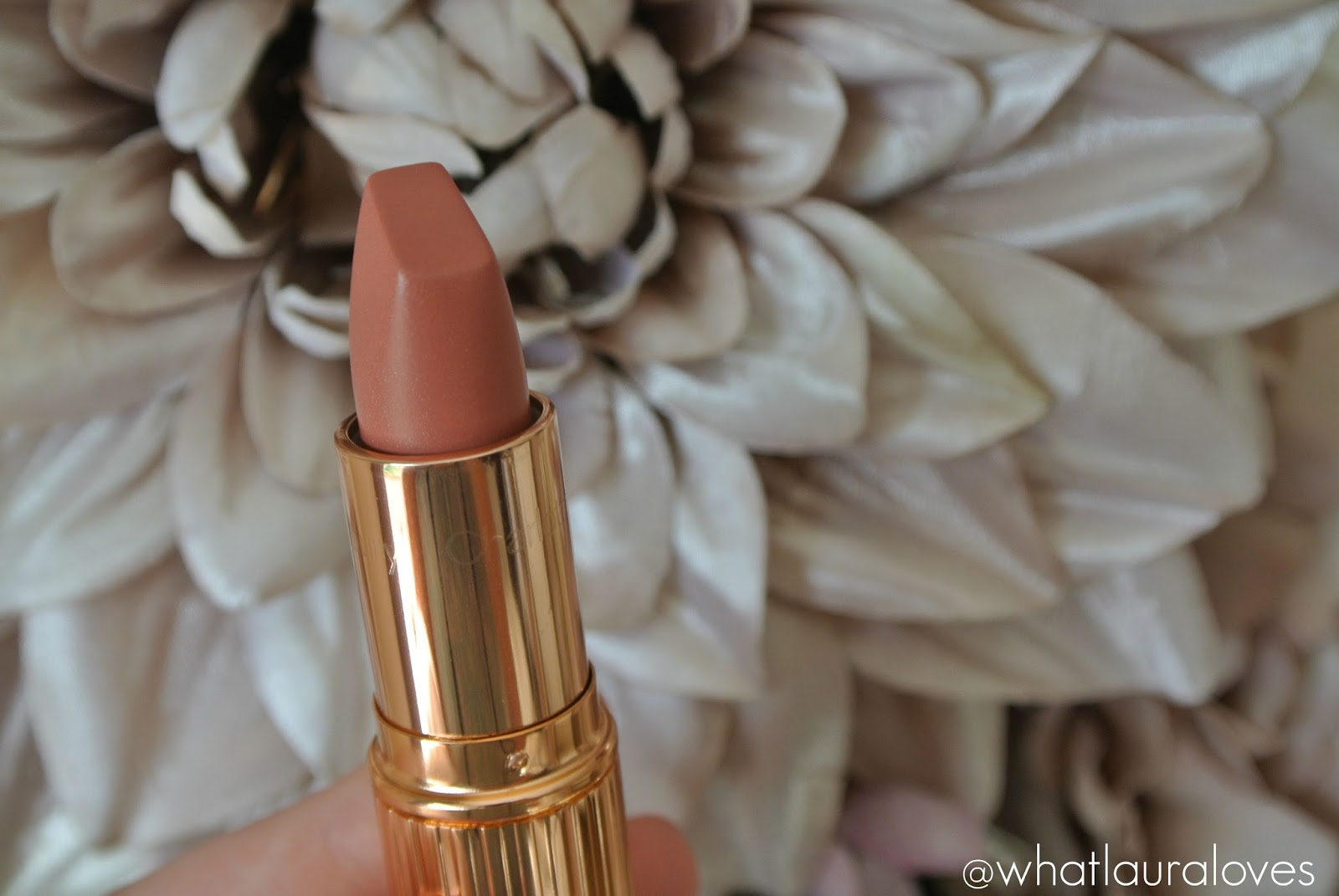 Charlotte Tilbury x Norman Parkinson Matte Revolution Lipstick in Miss Kensington Review