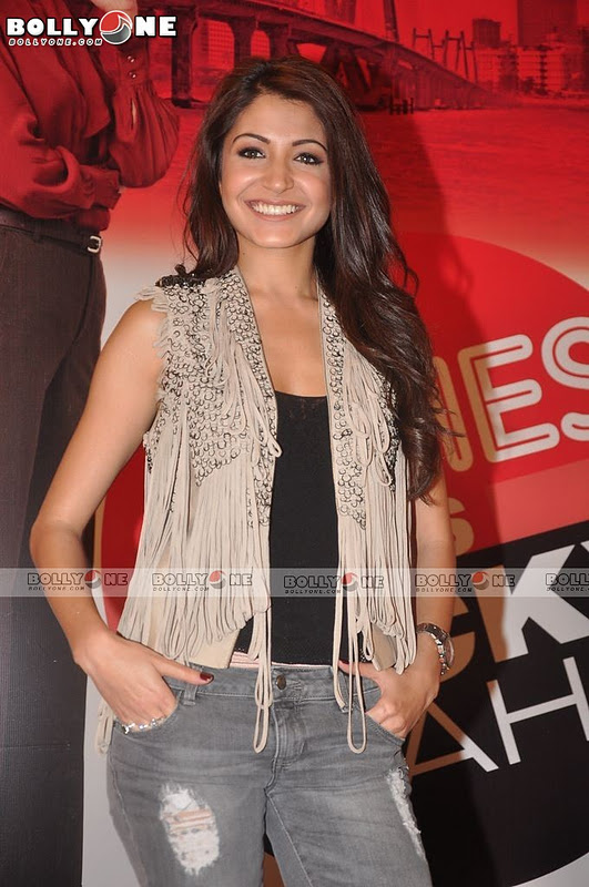 , Anushka & Other Girls At Ladies V/s Ricky Bahl Movie Event