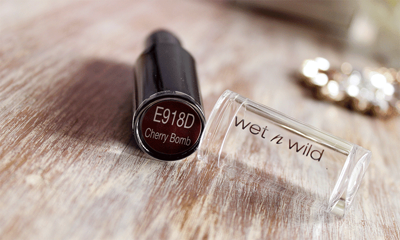 wet n wild cherry bomb lipstick review, wet n wild lipstick, wet n wild cosmetics south africa, beauty blogger cape town, mac diva dupe, wet n wild megalast lip color cherry bomb 918d