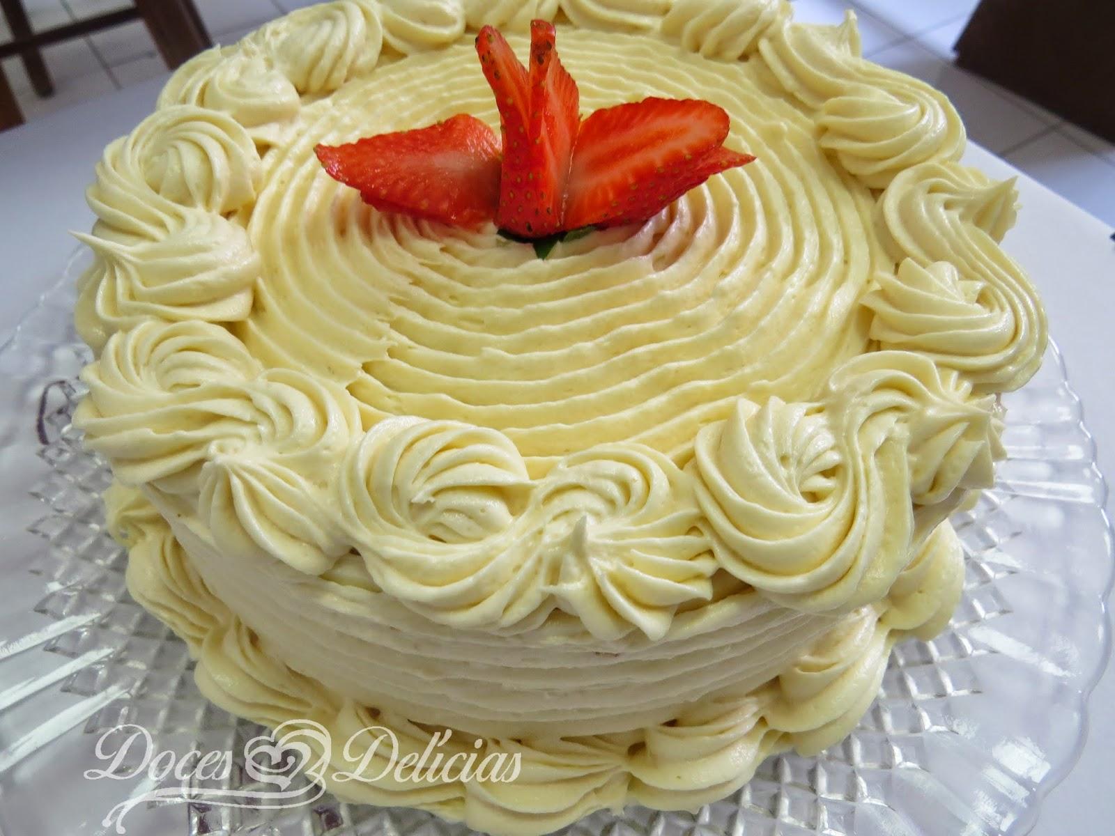 Torta DIET de Leite Ninho e Morango