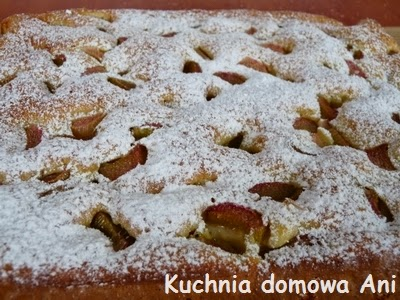 http://kuchnia-domowa-ani.blogspot.com/2012/05/ucierane-ciasto-z-rabarbarem.html