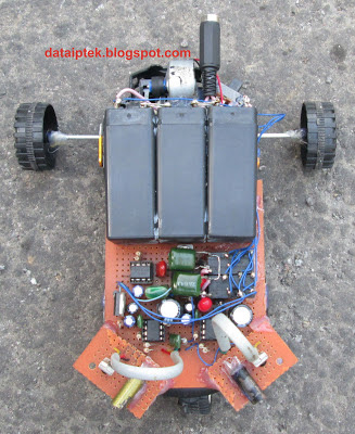 Gambar Rangkaian Robot sederhana