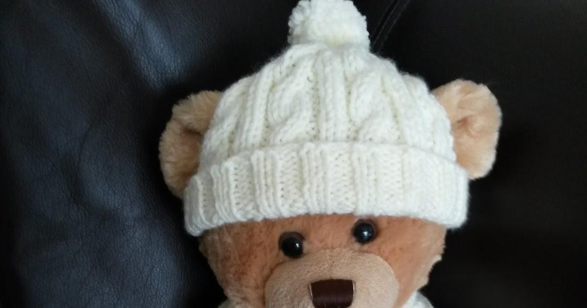 Knitting Pattern For Teddy Bear Hat : Lyns Dolls Clothes: Teddy bear aran hat and scarf