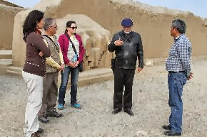 Arqueólogo mexicano Eduardo Matos Moctezuma visitó el sitio arqueológico Chan Chan junto a directivos del Proyecto Especial Chan Chan.
