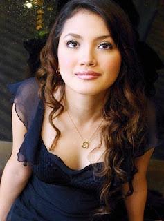 Nur Fazura Sharifuddin - 10 Wanita Cantik Asia Tenggara - www.iniunik.web.id