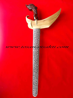 Keris Pamor Tunggul Kukus
