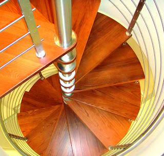 foto escalera caracol