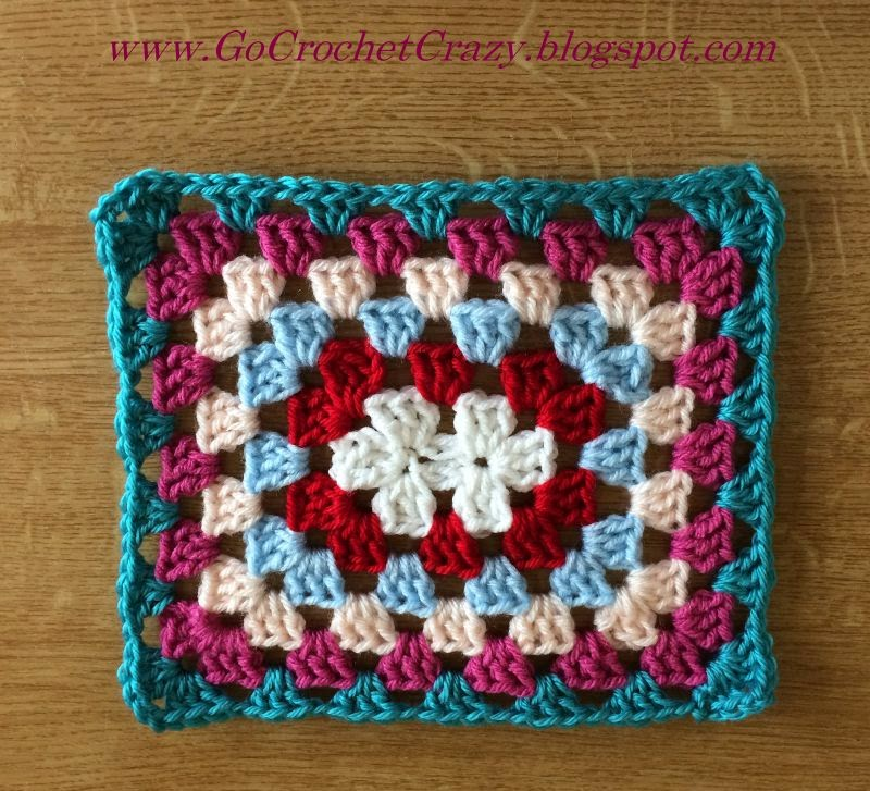 The first rounds of a Cath Kidston Inpsired Giant Granny Rectangle Afghan by Mary at Go Crochet Crazy.