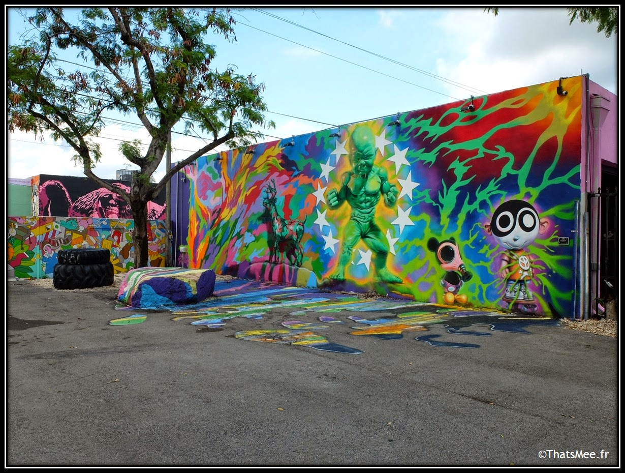street art Wynwood Ron English green baby with stars mini-hulk bébé vert américain