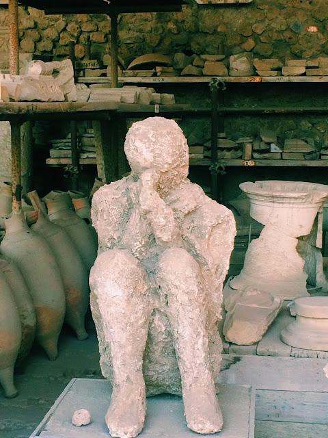 Plaster-Cast-Bodies-Pompeii