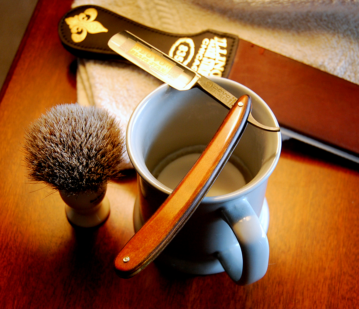 how to shave with a cut throat razor video