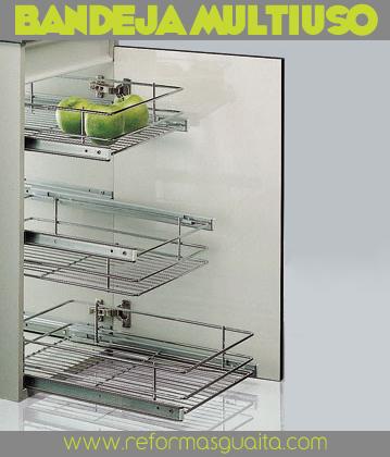Cestos extraibles para equipar tu cocina reformas guaita - Accesorios para armarios roperos ...