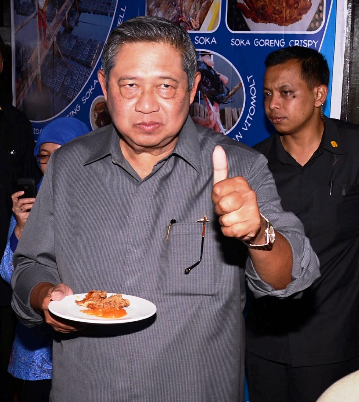 Ini Kata SBY Saat Mencicipi Kepiting Soka Unhas