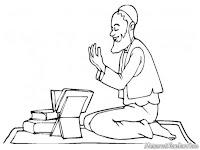 Gambar Kakek Berdo'a Sehabis Membaca Alqur'an