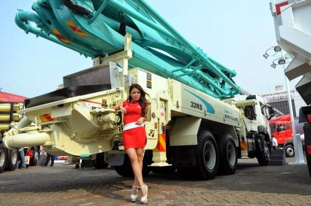 SPG FAW Trucks IIMS 2014