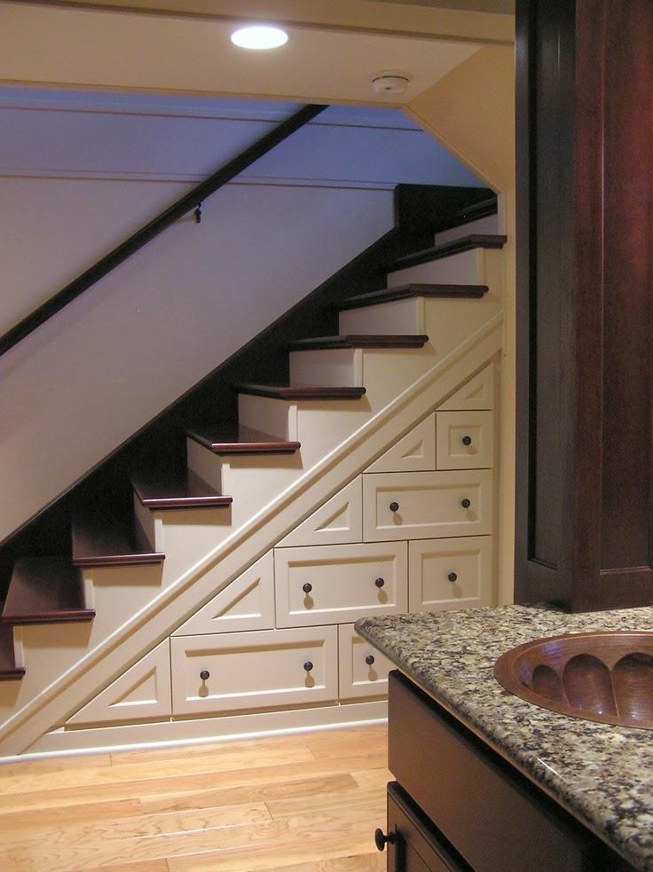 Icono interiorismo 10 soluciones para aprovechar el hueco for Soluciones para escaleras