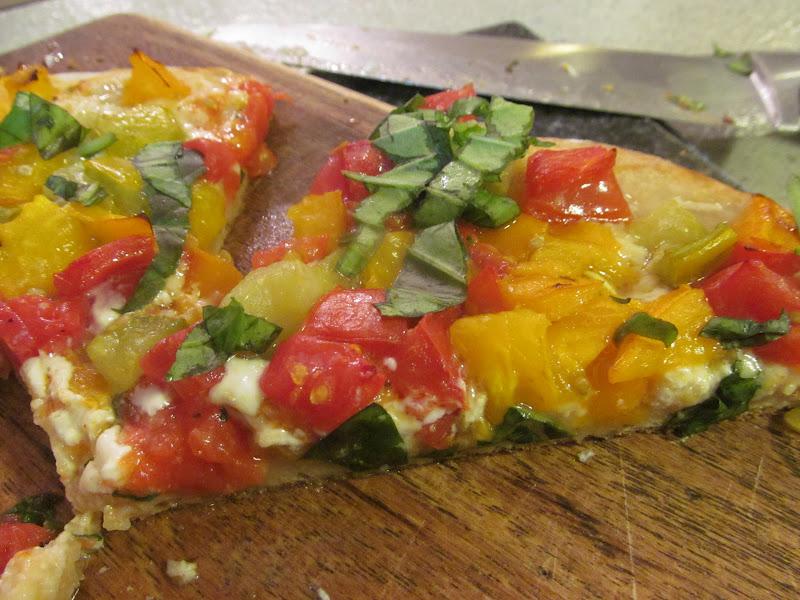 Corcoran Street Kitchen: Heirloom Tomato Pizza