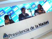 EN STAND DE PRESIDENCIA DE LA NACION EN FERIA DEL LIBRO 2012