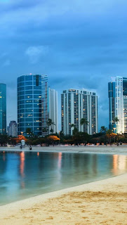 Waikiki Beach Hawaii (Best Honeymoon Destinations In USA) 10