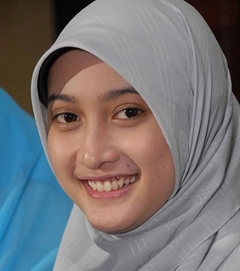 Rahasia Cantik Alami Wanita Muslimah