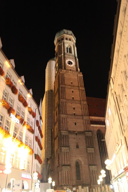 Frauenkirche in the city center of Marienplatz in Munich, Germany