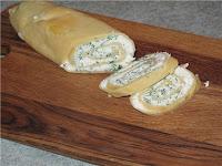 Рулет из твердого сыра