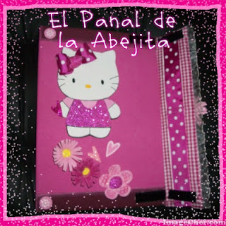 EL PANAL DE LA ABEJITA: CARPETA DECORADA CON FOAMI HELLO KITTY !!