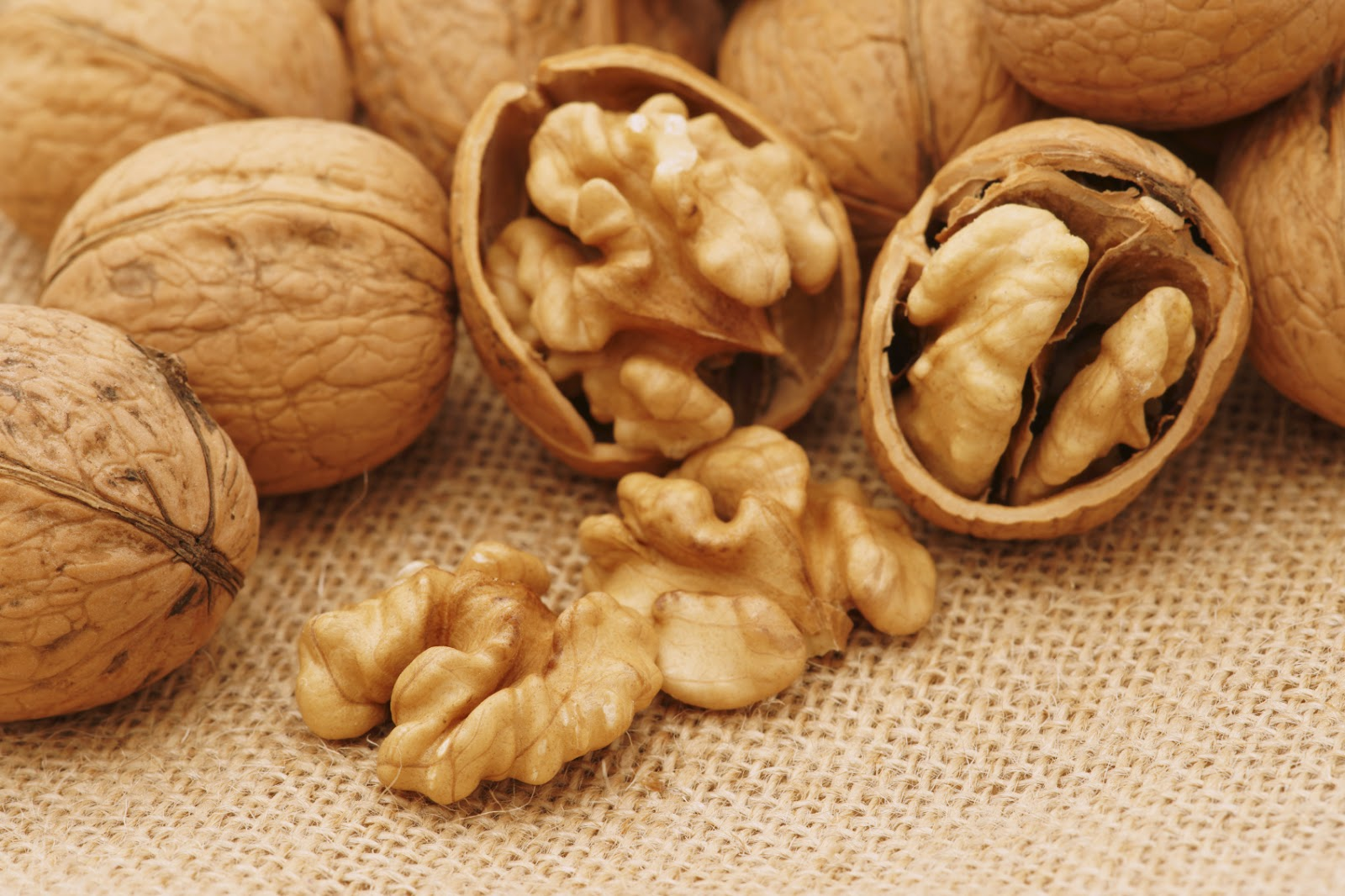 Walnuts, health tips, hair tips