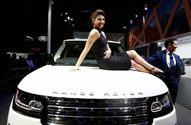The Beautiful Bollywood actress Priyanka Chopra unveiled the stunning Land Rover SUV with the owner of Land Rover (Ratan Tata)
