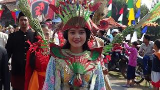 Pawai Karnaval Kreatif Pejagalan Fair Diincar Para Balon Walikota