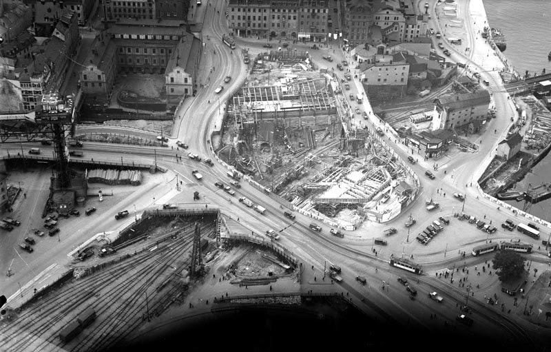 Año 1932. En construcción