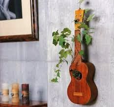 Reciclar guitarra como macetero