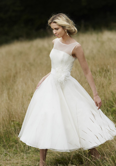 simple wedding dress for sweet bride